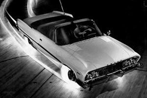 автомобиль со светящимися шинами