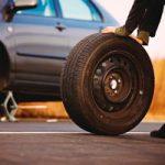 Как поменять колесо на машине? Пошаговая инструкция